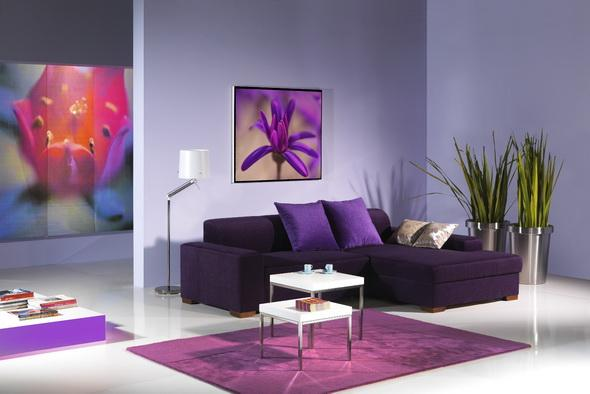 Diseño de sala de estar morada