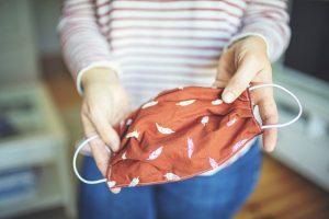 Lava tu cubrebocas de una manera muy fácil y rápida
