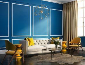 sala color azul con detalles blancos y amarillos