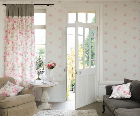 Cómo tapizar el contorno de una ventana